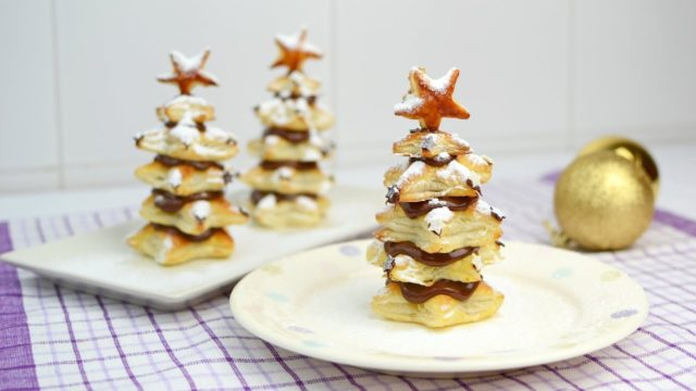 Puff-Pastry-Christmas-Trees-with-Nutella-Easy-Christmas-Dessert-Recipe